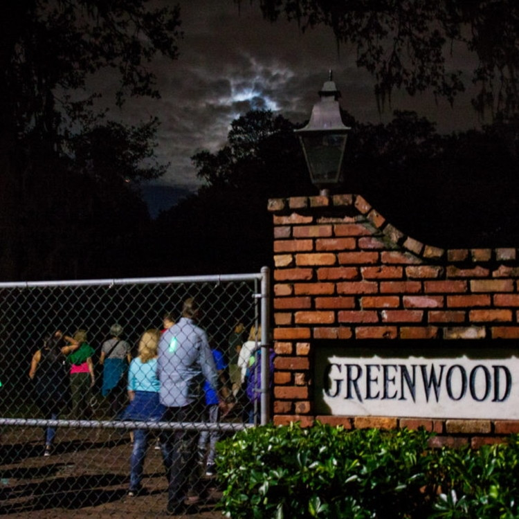 Free Things to Do in Orlando: Greenwood Cemetery Moonlight Walking Tour